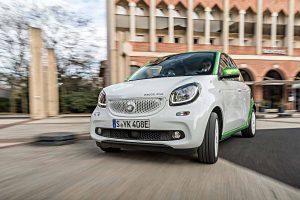 Der elektrische Smart als Viertürer. Foto: Daimler