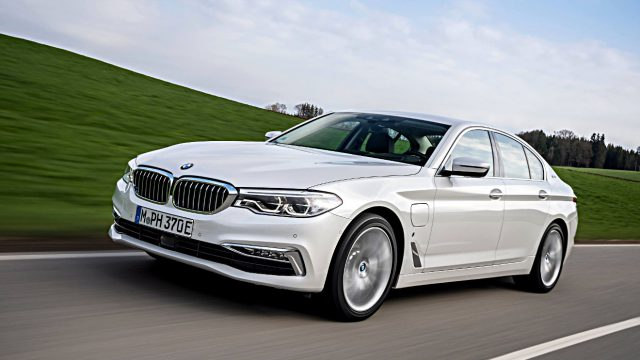 Der BMW 530e i Performance wird von einem Plug-in-Hybrid angetrieben. Foto: BMW