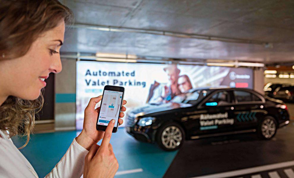 Spezielles Valet Parking: Daimler und Bosch parken Autos autonom ein. Foto: Daimler