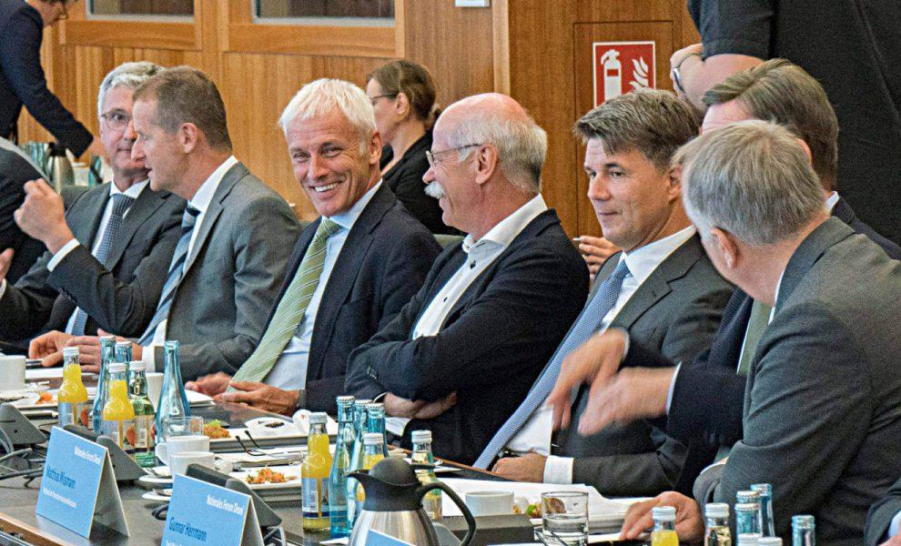 Diesel-Gipfel in Berlin mit den Autobossen von Audi, VW, Daimler und BMW. Foto: BMVI