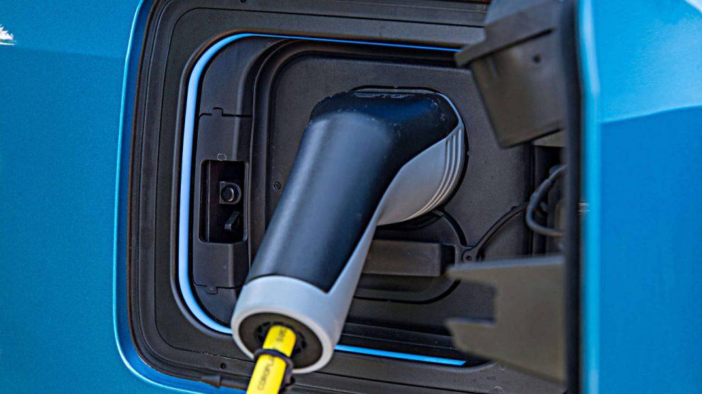 Der BUND fordert die Abschaffung des Dienstwagenprivilegs. Foto: BMW