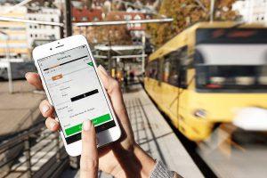 Ein gestärkter Nahverkehr ist für Greenpeace ein Meilenstein der Verkehrswende. Foto: Daimler
