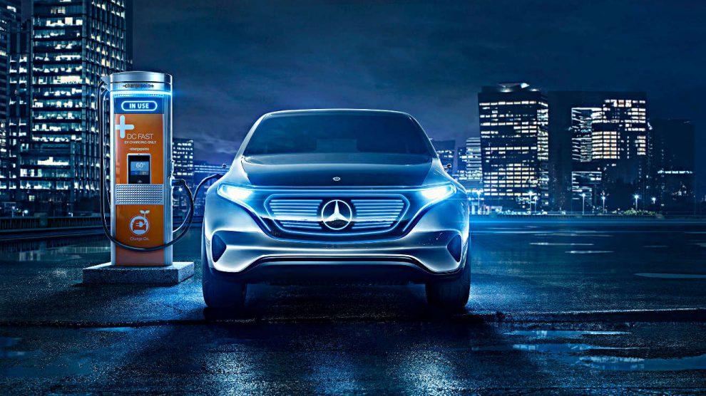 Ein Mercedes EQ an der Ladesäule. Foto: Daimler