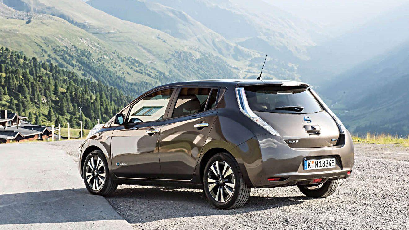 Elektrisch die Berge hinauf mit dem Nissan Leaf. Foto: Lina Grün