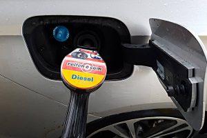 Diesel und AdBlue. Foto: Mertens