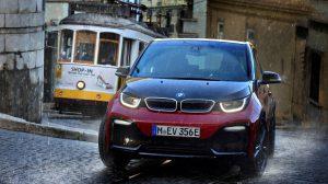 BMW i3s unterwegs in der Stadt. Foto: BMW