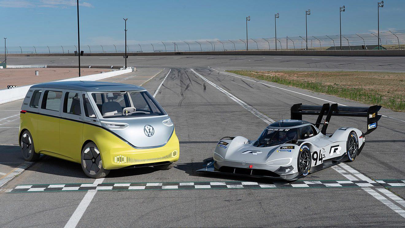 DEr I.D. Buzz und der I.D. R Pikes Peak. Foto: Volkswagen