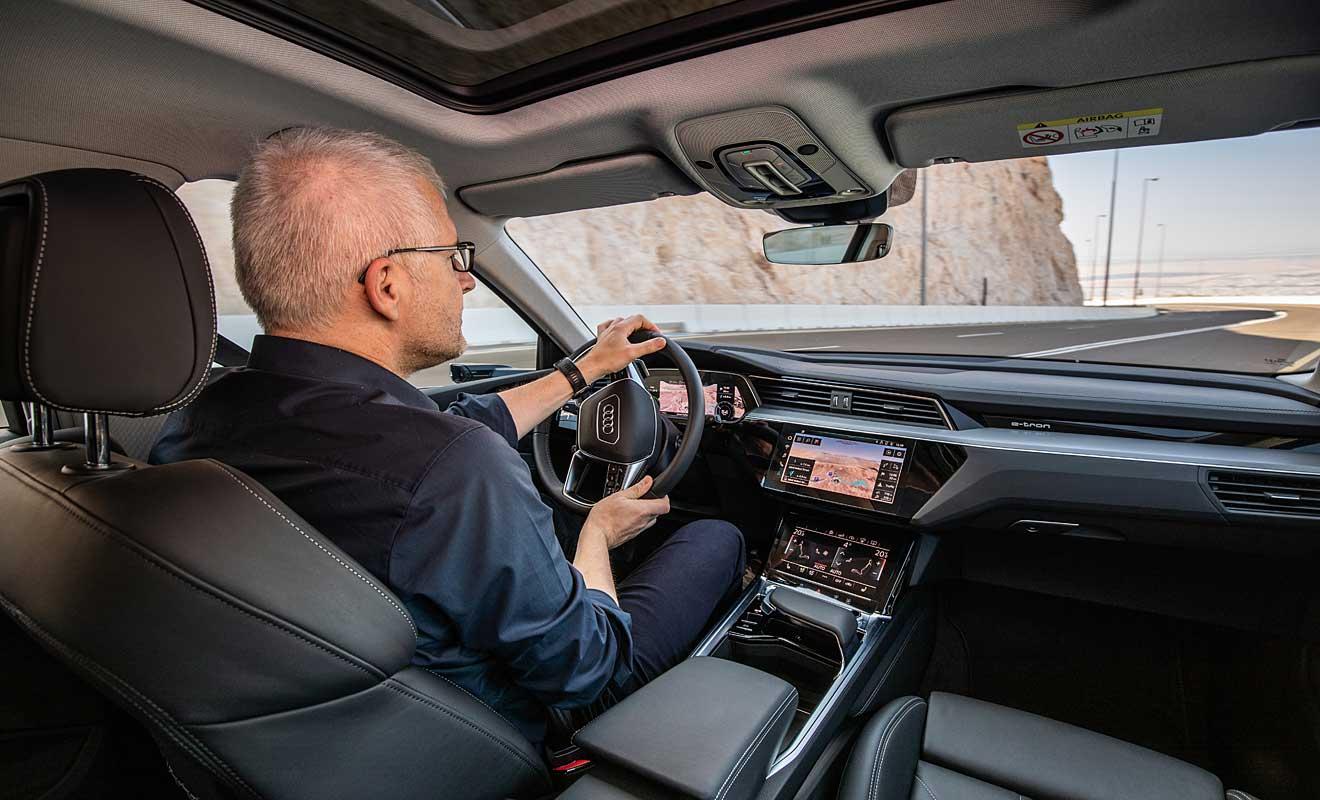 Das Cockpit des e-Tron. Foto: Audi